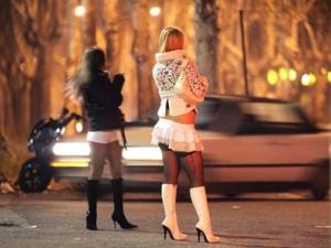 """БГ проститутка """"изработи"""" глоба от 10 000 евро на италианец"""