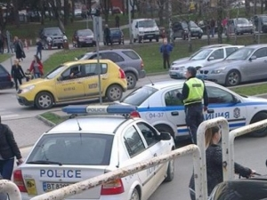 Мотоциклетист блъсна млада жена и избяга, все още не е заловен СНИМКА