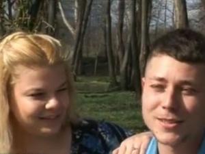 Романтика в Пловдив: Младеж предложи на любимата си по време на дипломирането й