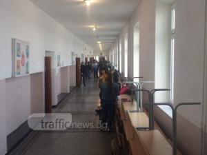 Асеновградчани още спят, избирателните секции са празни