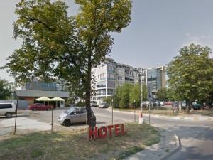 Бизнесмен излъгал полицаи, че му откраднали 15 бона, докато бил в пловдивски хотел