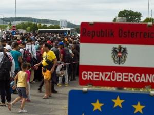 И Австрия спира да приема мигранти, къса споразумението с ЕС