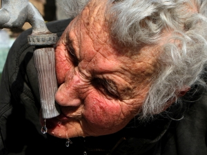 Десетокласничка от Английската с две награди от фотоизложби