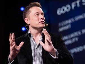 Шефът на Тесла иска да свърже човешкия мозък с компютри