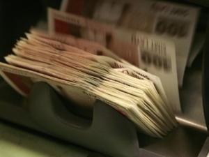 Всички да взимат поне по 800 евро, дори да не работят – предложение от милиардерите