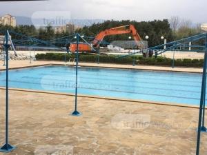 Водна пързалка за 2 милиона поставят в  Акваленд в Пловдив СНИМКИ