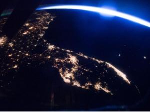 Как изглеждат различните градове от Космоса? СНИМКИ