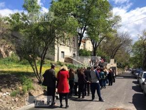 Хиляди пловдивчани се стекоха към църквите за върбови клонки СНИМКИ