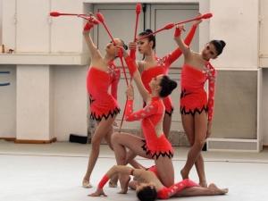 Браво на новите златни момичета! Грабнаха сребърния медал на съчетанието с пет обръча
