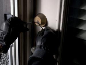 Крадци дебнат домове в Пловдив покрай Великден! Заключвайте врати и прозорци, ако пътувате