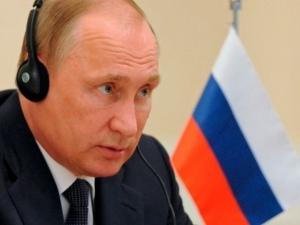 """Доходите на Путин намалели - взел """"едва"""" 148 хиляди евро през 2016 г."""