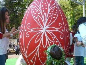 Гигантско яйце ще бъде изписано във Велинград днес