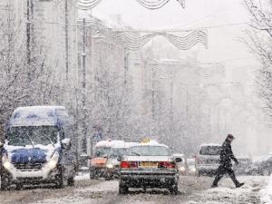 Сняг на Великден парализира Литва