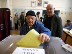 Първоначални резултати от референдума в Турция: 61,30% - да, 38,70 % - не