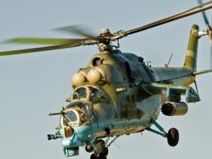 Боен хеликоптер се разби на голф игрище в САЩ