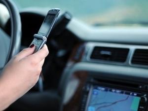 90 процента от шофьорите ползват телефон зад волана