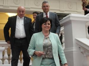 Корнелия Нинова: Този парламент няма да изкара пълния си мандат