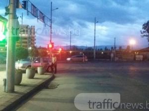 По-безумно паркиране не сме виждали! Постигна го софиянец в центъра на Пловдив СНИМКИ