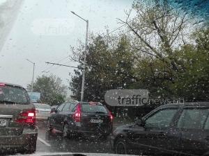 Снеговалежът в София продължава, сняг натрупа и в други градове