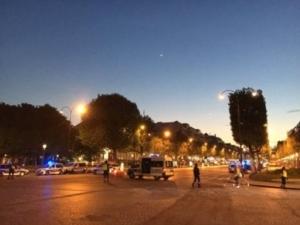 Стрелба в Париж! Има убити ВИДЕО
