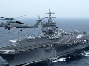 Край Северна Корея става напечено: Японски кораби се присъединиха към американската армада