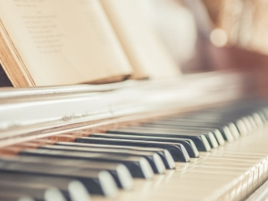 Изненада! Късметлия намери истинско съкровище, скрито в пиано