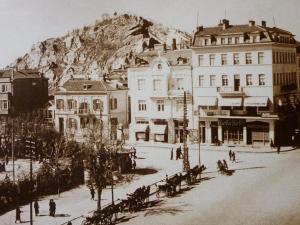 Файтони по Главната на Пловдив са се движели преди век