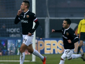 Локо Пловдив играе с Черно море, докараха го до равенство в първото полувреме