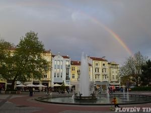 Пловдив категорично е вторият по големина град, под тепетата живеят 343 424 души