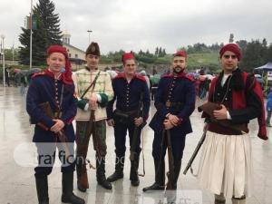 200 души сътвориха зрелищна възстановка на Априлското въстание в Панагюрище СНИМКИ