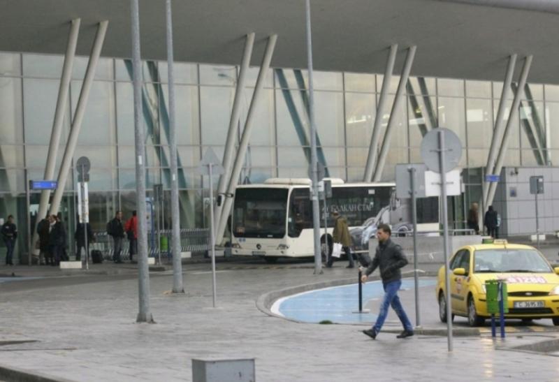 Българка умря от срам пред чужденци в нашенски автобус и взриви мрежата