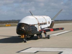 Мистериозен космически самолет се завърна от успешна мисия