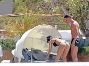 Роналдо и Джорджина по прашки в Ибиса СНИМКИ