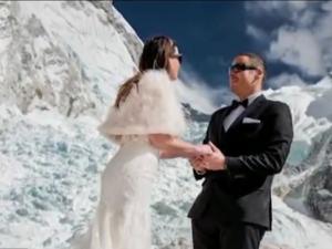 """Двама влюбени си казаха """"Да"""" на Еверест ВИДЕО"""