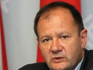 Михаил Миков: Върви разчистване на екипа на Корнелия Нинова