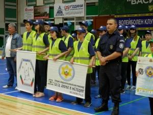 Малчугани мериха сили в полицейско състезание
