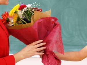 Деца от Пещера дават парите за цветя за 24 май за онкоболно момче