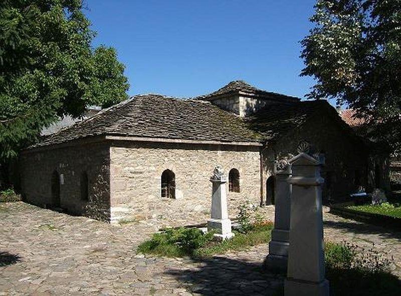 България се прекланя пред загиналите в Баташкото клане