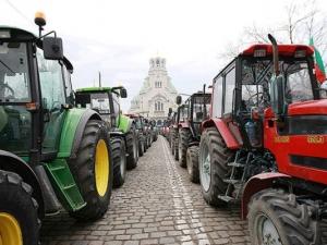 След протестите: оттеглиха промените в Закона за опазване на земеделските земи