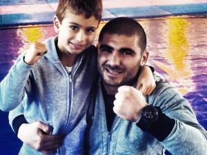 Бивш боксьор на Ботев си направи клуб на Лаута СНИМКИ