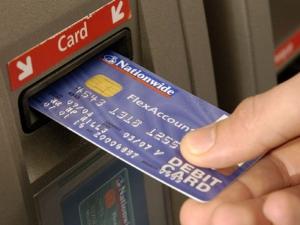 Хванаха трима нашенци в Сърбия да източват кредитни карти