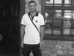 Майката на Стефан Лулчев го намерила обесен в хале в Кючука