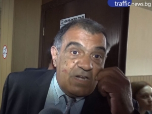 Адвокат на професор от Пловдив, обвинен в подкуп, си изпусна нервите ВИДЕО