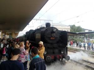 "Десетки пловдивчани посрещнаха влака ""Тракийски романс"" на Централна гара СНИМКА"