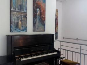 Столиците в Европа през очите на 14 пловдивски художници