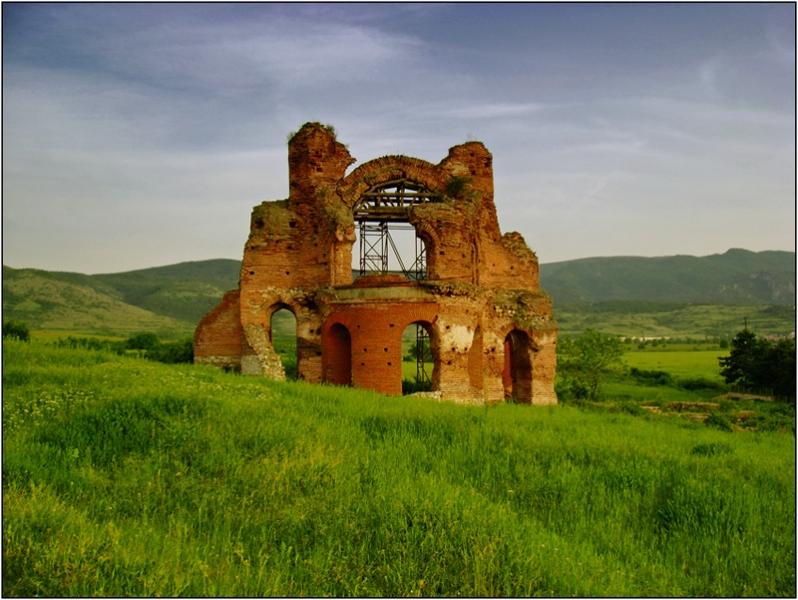 Планински маршрут, история и отдих край хижа - само на половин час от Пловдив СНИМКИ