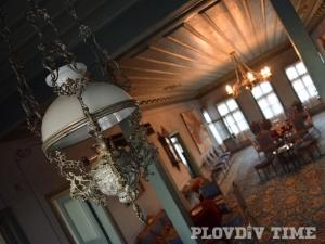 Най-богато украсената къща в Стария Пловдив СНИМКИ