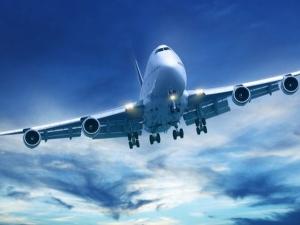 Срив на компютърни системи блокира самолети и пасажери по летища в цял свят