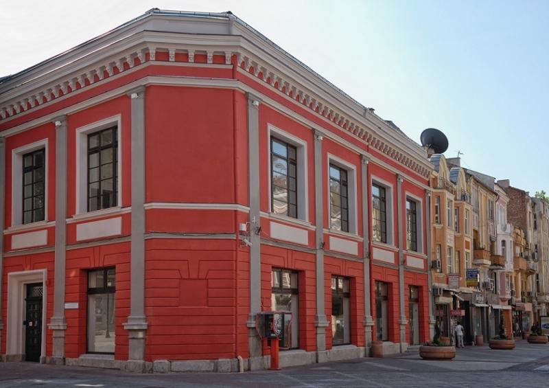 Творци от Балканите откриват изложба под тепетата