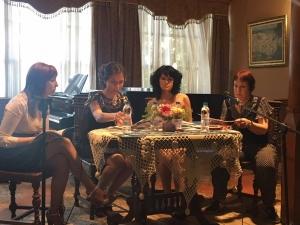16 - годишната Анна Велкова представи първата си книга, пише футуристичен роман